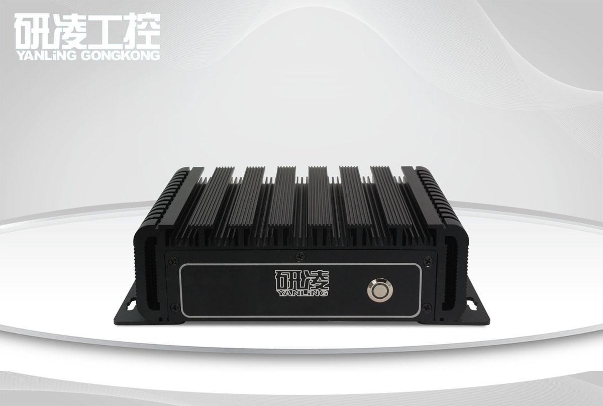 IBOX-180 i3/i7带防水接头工业电脑