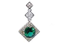 绿宝石耳环