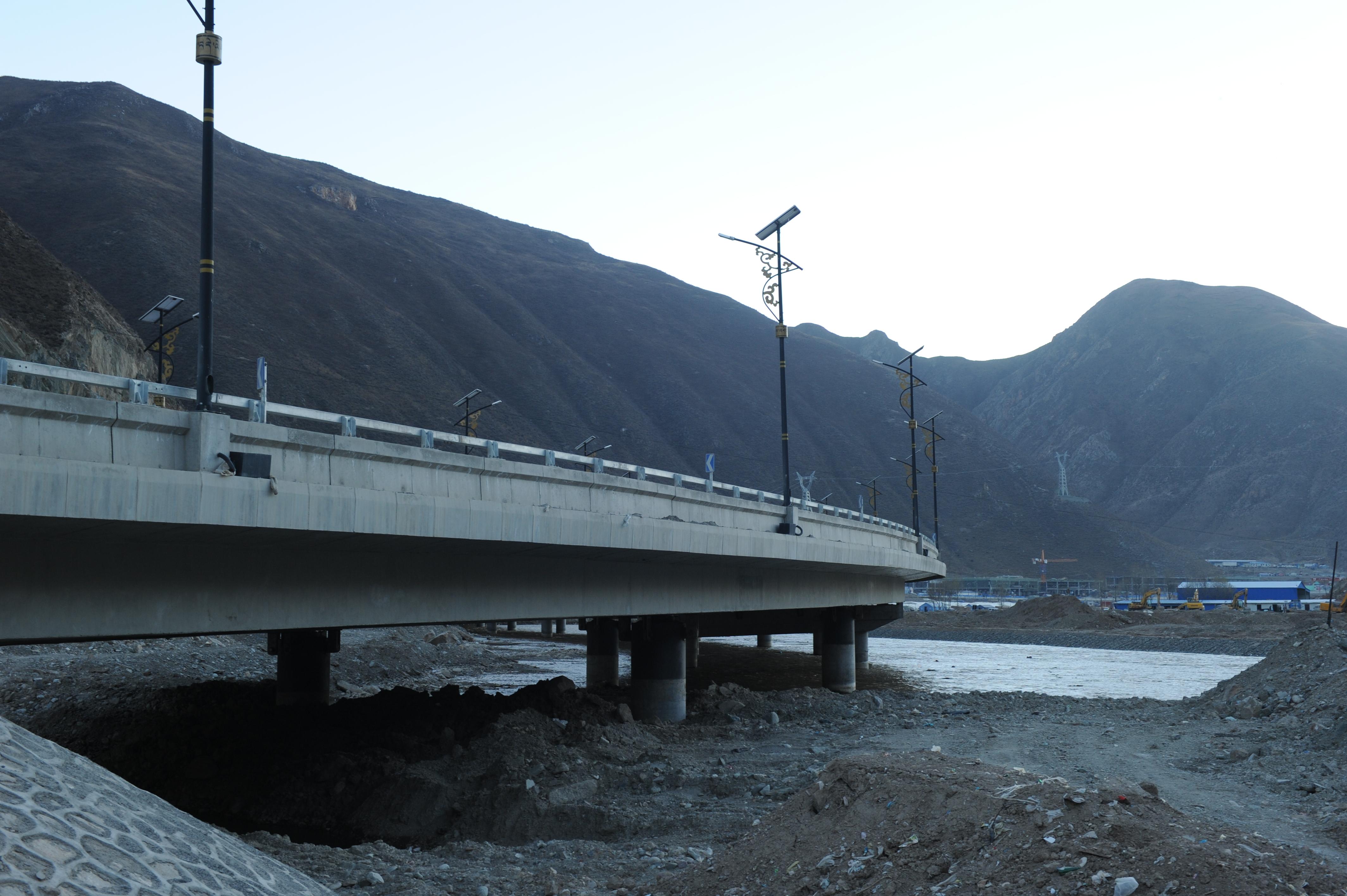 青海省玉树州巴塘河桥梁工程