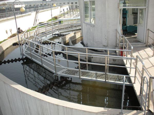 机械搅拌加速澄清池