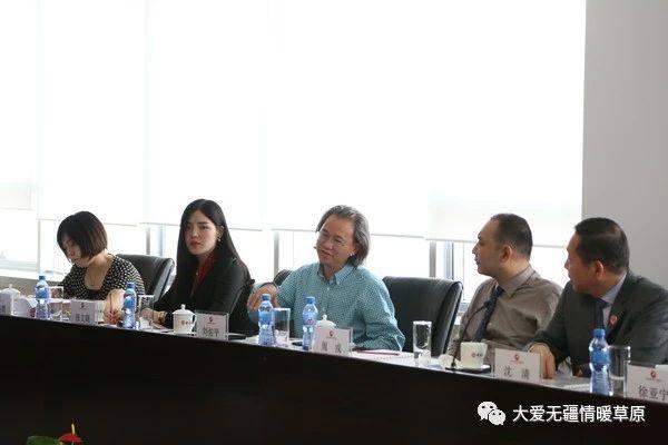中国慈善联合会常务副秘书长刘佑平发言