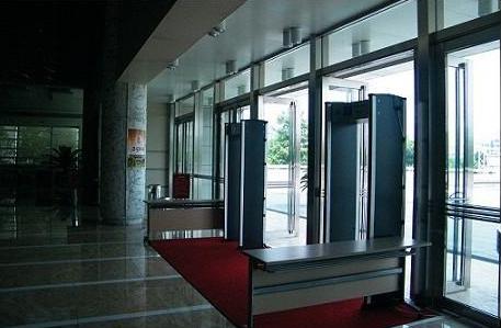 教你一招如何维护安检门的寿命
