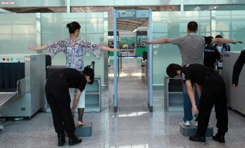 【安检机租赁】乘客强闯安检口遭到刑拘