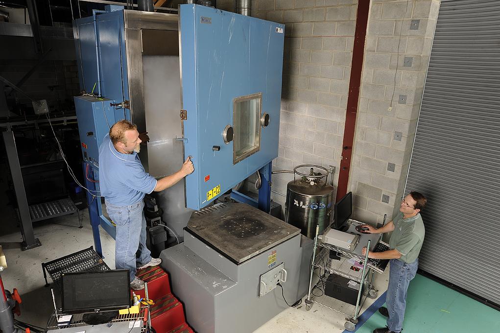 温湿度、振动三综合试验箱