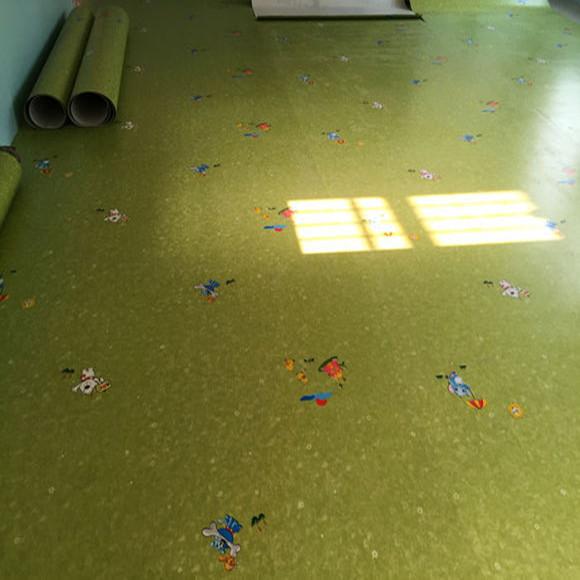 发泡底幼儿园卡通地板