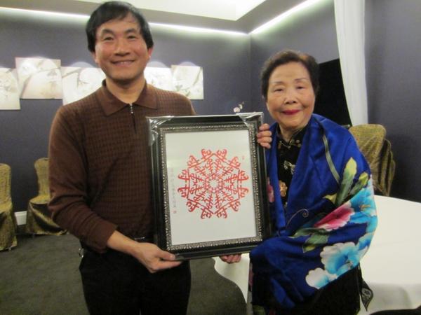 世界上创作不同样雪花剪纸数量最多——Yuejin Wang王跃进