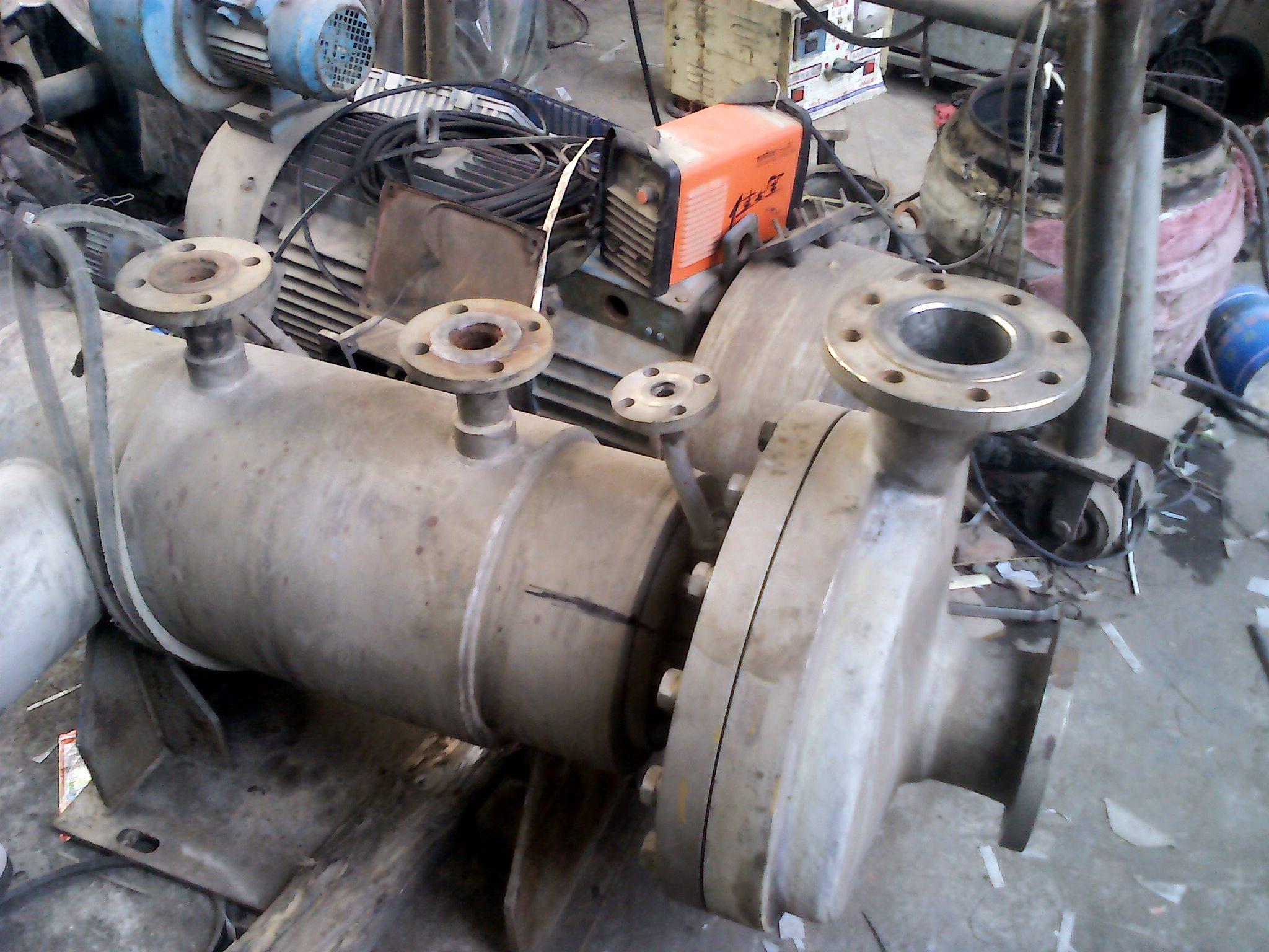 现场维修中的屏蔽泵