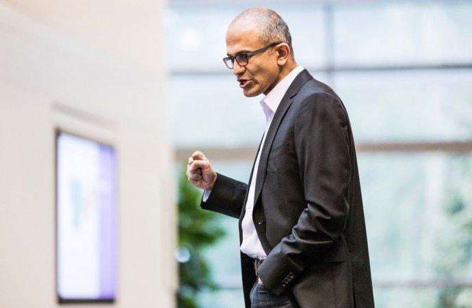 纳德拉接盘微软:理性之下仍待颠覆性反思