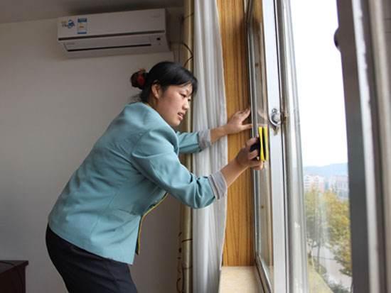 深圳宝亮杰专业玻璃清洗