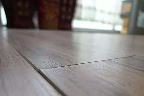 实木地板扭曲变形处理
