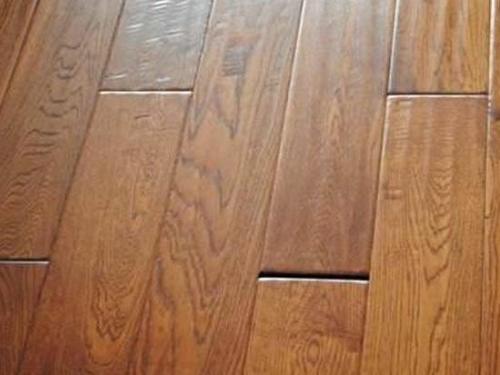 实木地板间缝隙过大处理