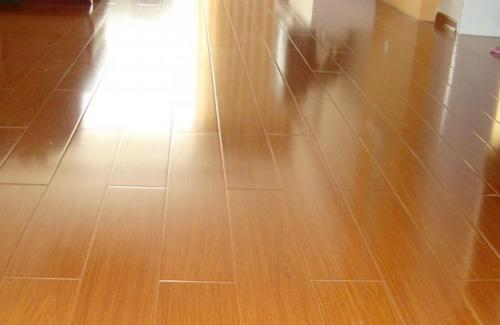 深圳宝亮杰清洁公司经验分享:地板打蜡方法