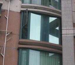 西安玻璃贴膜在生活中的实用性
