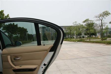 西安汽车玻璃贴膜的价格差异为什么那么大