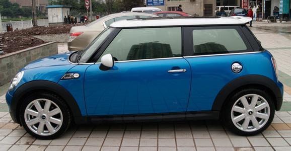 西安汽车贴膜保养得当能提高功效
