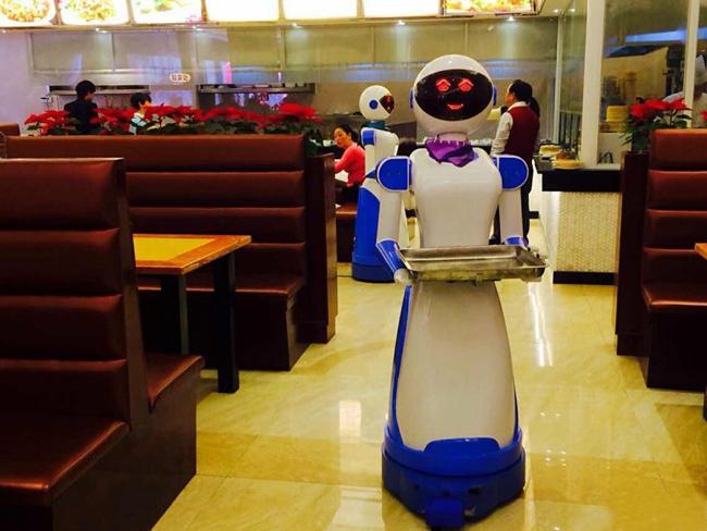 美女姐姐送餐机器人