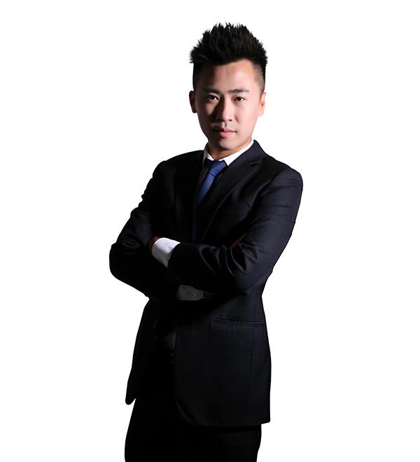 邝信尧(Titus Kwong)