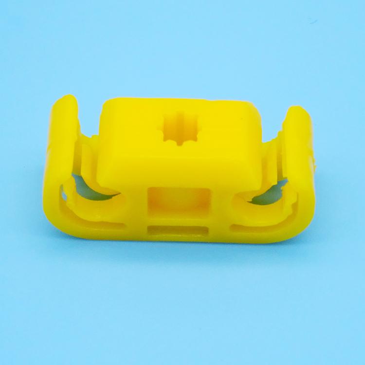 批发汽车塑料装饰卡扣 4孔限位卡子 管束固定夹 水管接头