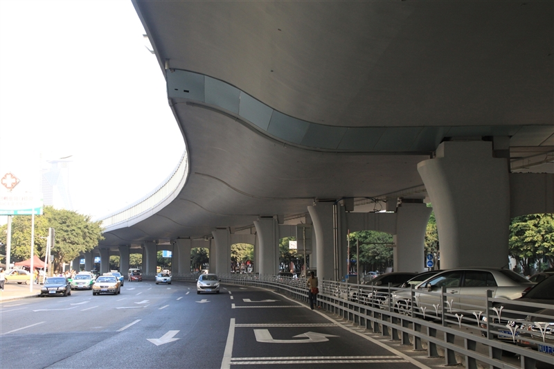 厦门市湖滨东路跨线桥顶升工程【2011-09-30】