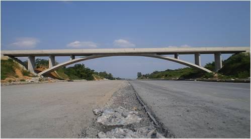 湖南省某高速公路人行上跨天橋頂升工程【2012-05-03】
