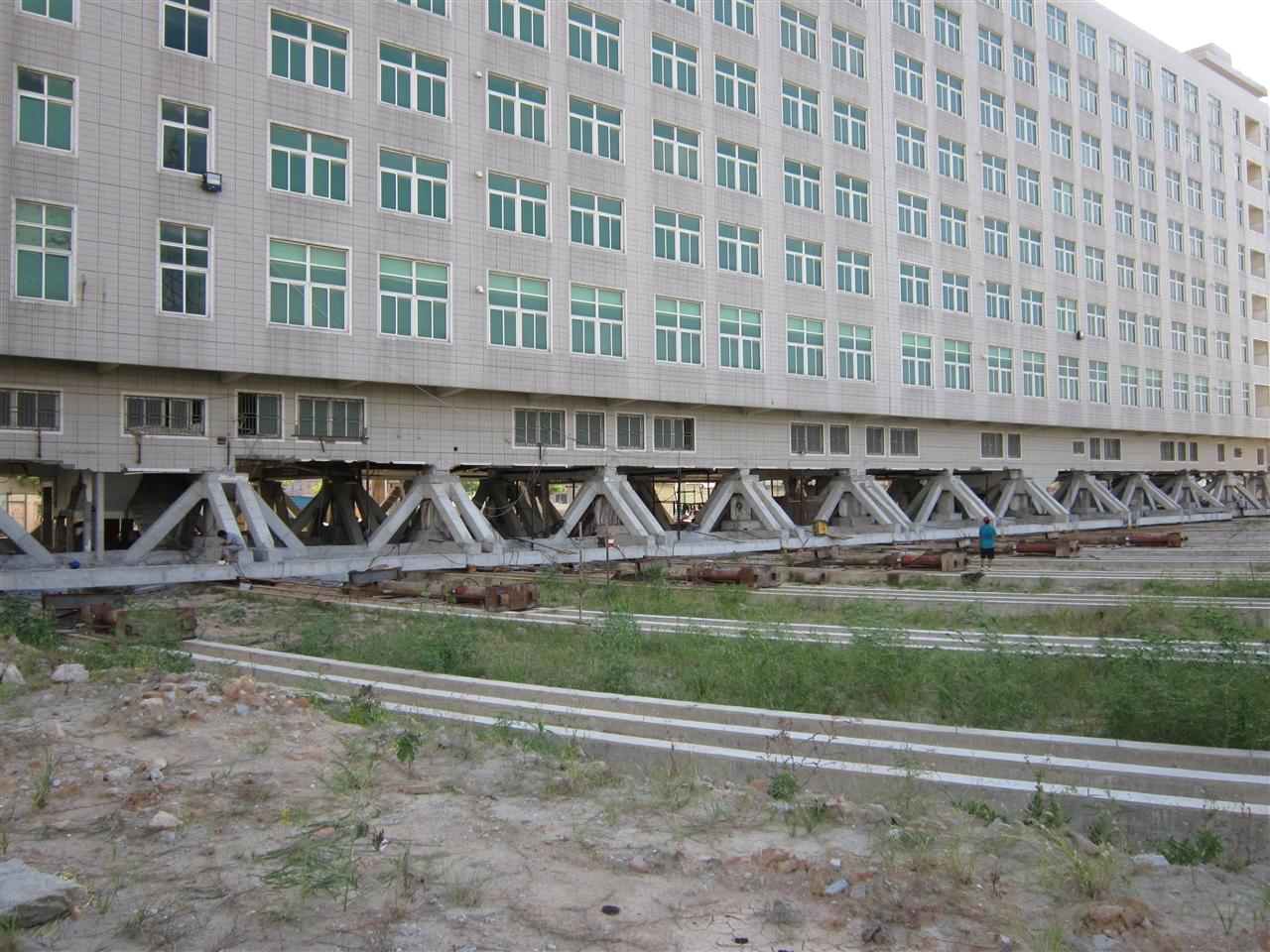 福建泉州濠景大廈旋轉平移工程【2012】