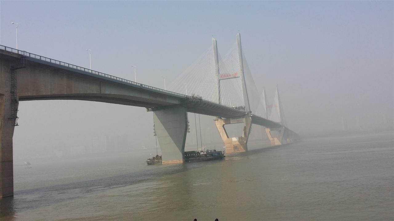 武汉长江二桥维修工程刚性梁安装及支座维修更换工程[2013]