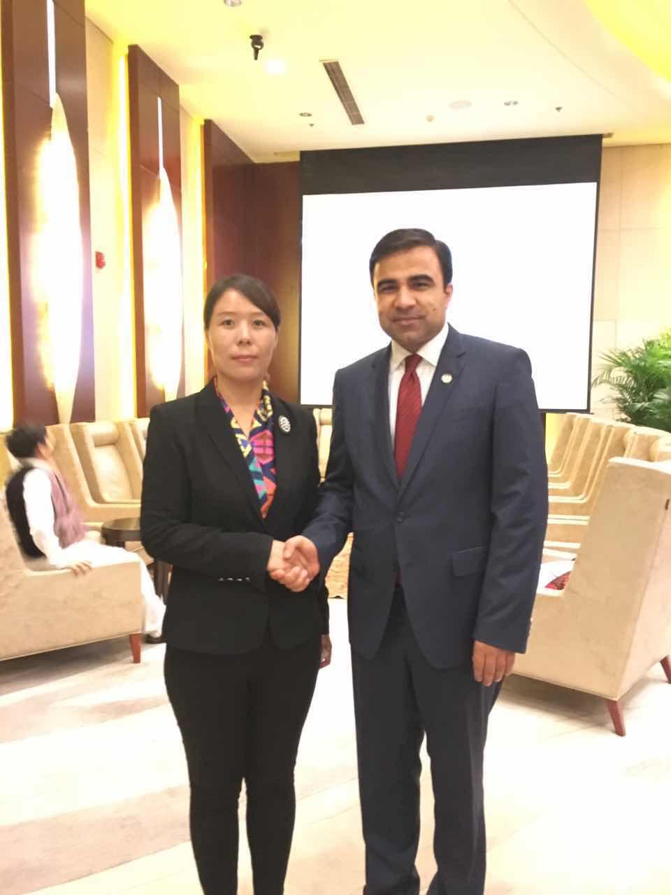 阿富汗驻华大使贾楠·莫萨扎伊阁下与组委会秘书长崔江红女士