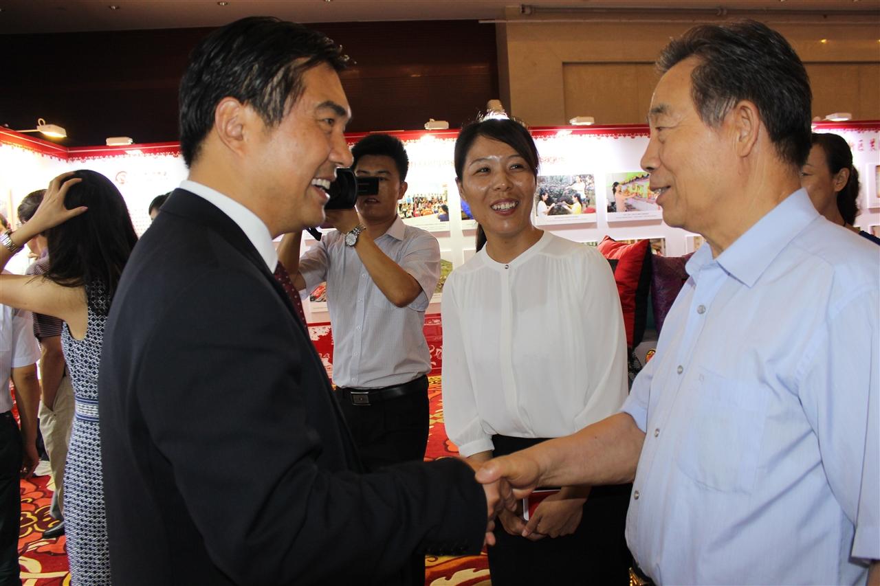 常克仁副部长、崔江红秘书长与孙雪涛书记共同出席论坛