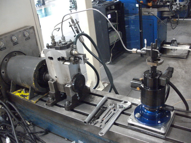 單體泵下線檢測試驗臺