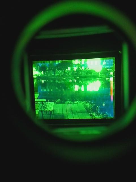 YJN-Ⅱ增强型夜视望远镜融合了微光夜视仪和红外热成像的优势