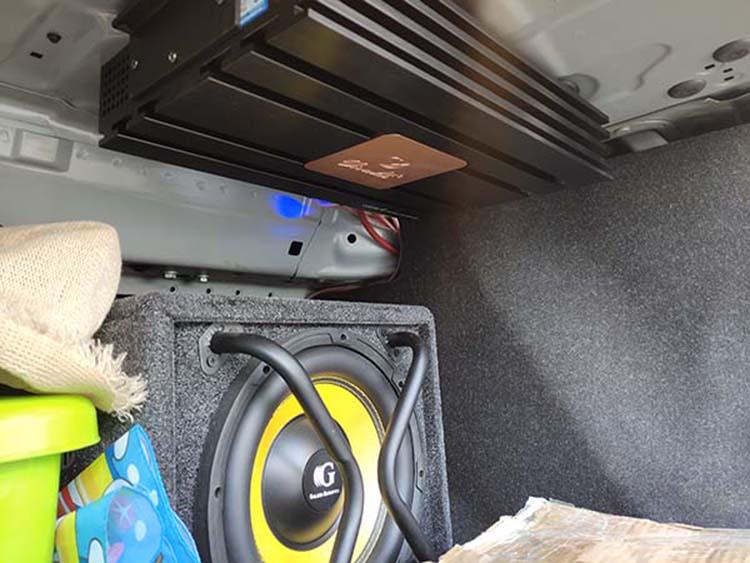 西宁宝马525汽车音响改装以色列摩雷优特声,来精艺精寻找汽车音响好声音