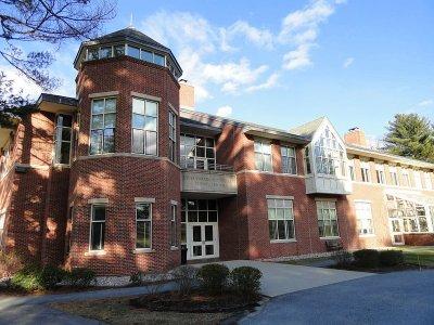 Dana Hall School(丹娜豪女校)