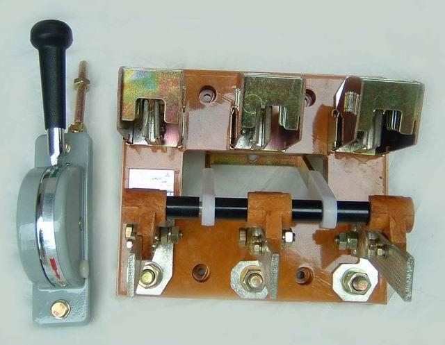 HD13B-400开启式刀开关