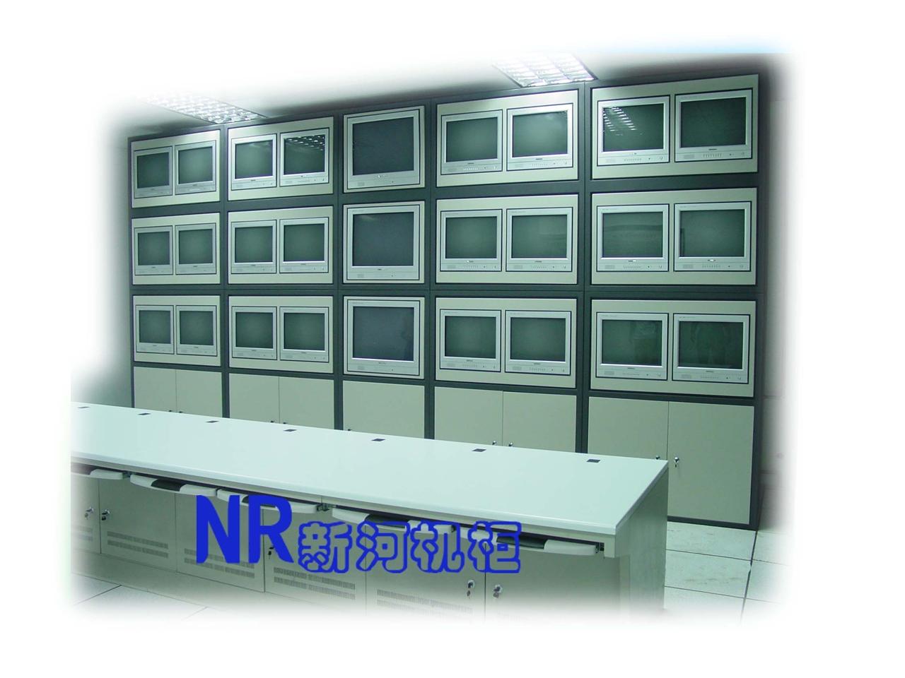 配平板操作台的电视墙