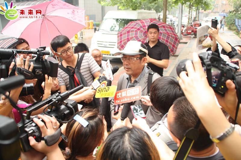 就有关法律问题,国内外众多媒体在采访陈枢主任律师