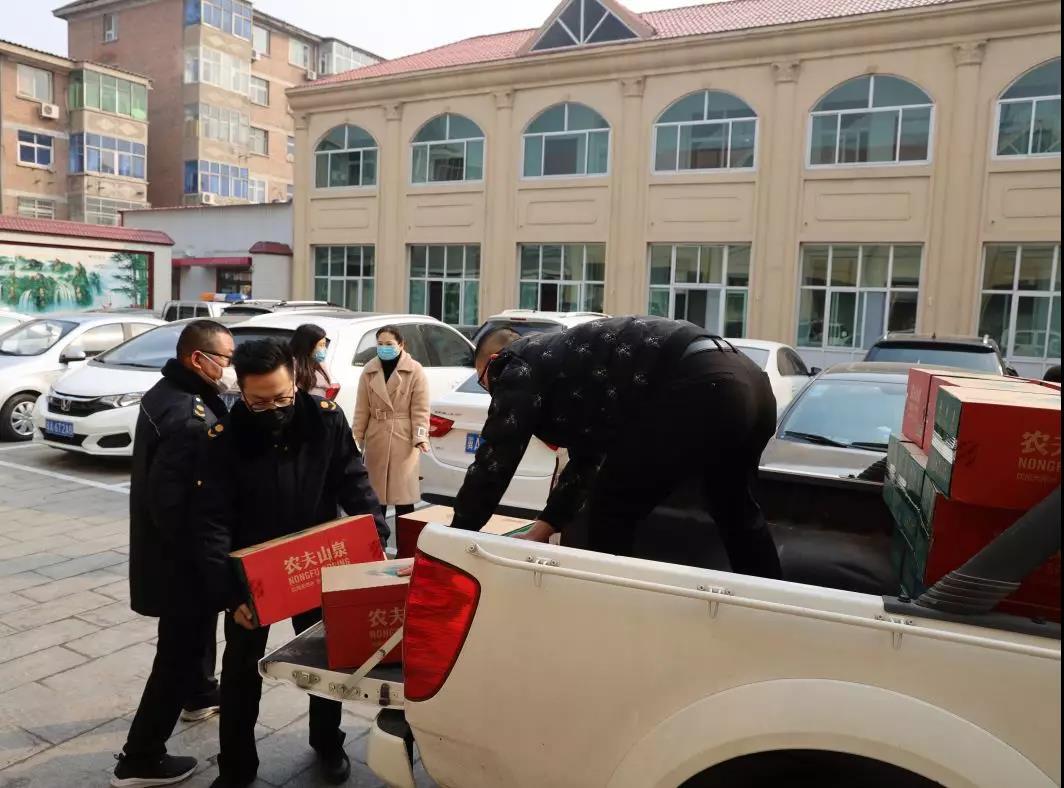 同舟共濟抗疫情!藁城旺洋商業廣場項目持續在行動,向藁城區一線城管隊員捐贈物資助力疫情防控!