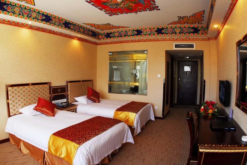 西藏乔穆朗宗酒店