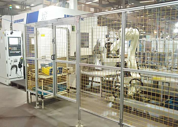 工业机器人与进口磨齿机组合体
