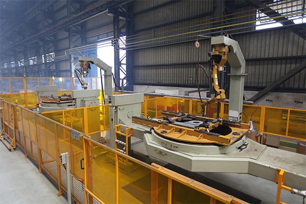 重磅板焊接机器人